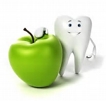 Smiling tooth and green apple
